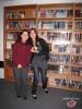 Tan et Arcantane devant l'une des nombreuses bibliothèques !