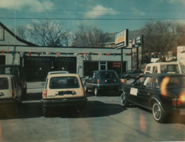 Les anciens AMC Jeep Renault Dealers Amcjee10