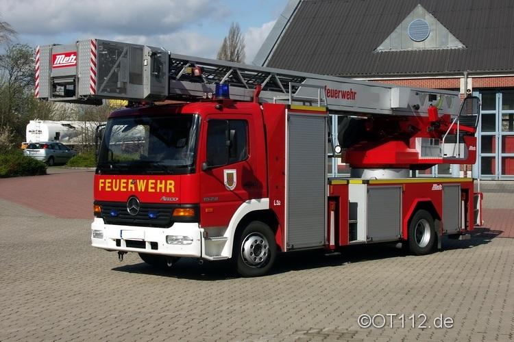 Fahrzeuge der Feuerwehr Rettungsstadt  Dlk23-10