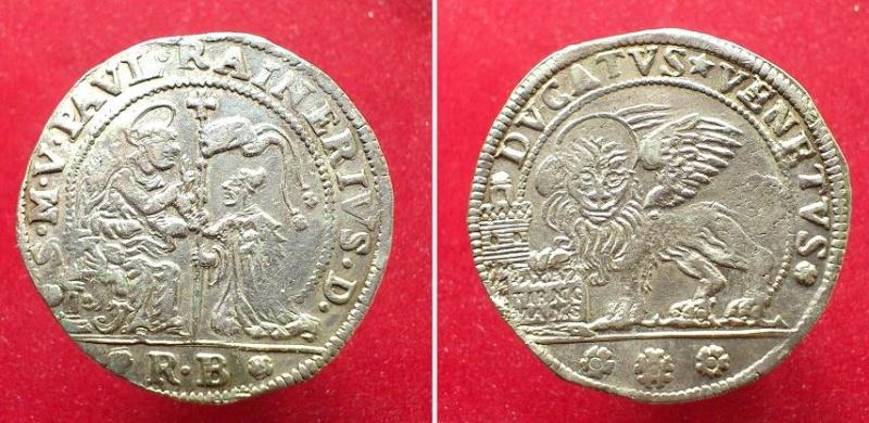 Monedas con leones Ven10_800x600