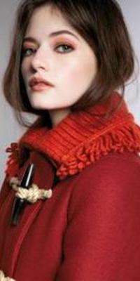 Lauren Viollet Camel