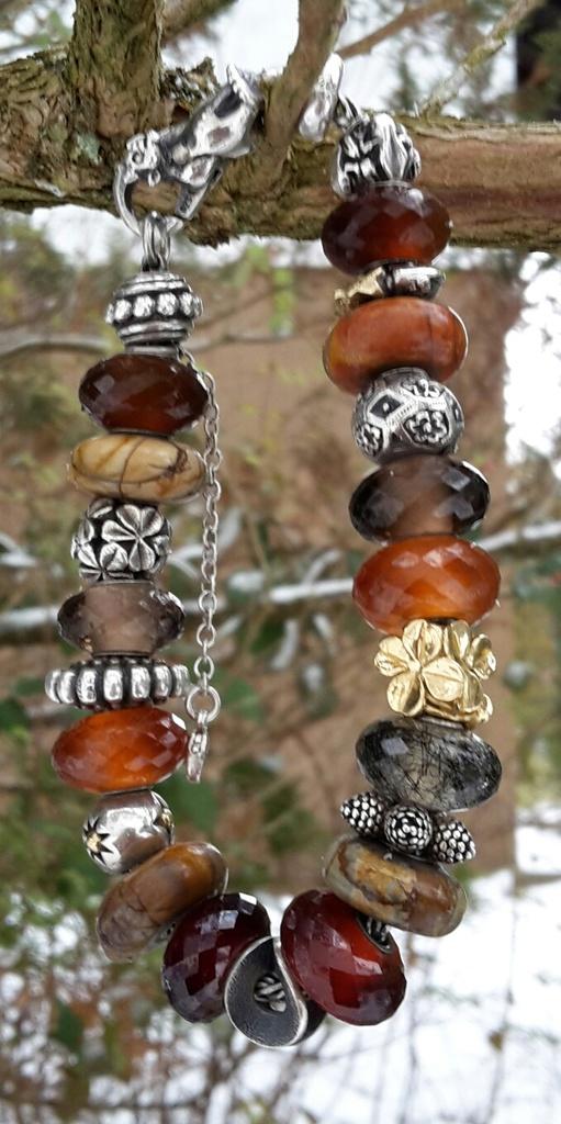 ...here are my Winter bracelets: 20170111