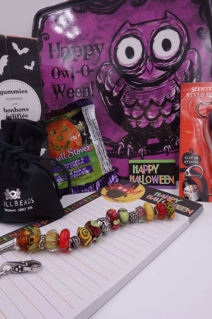 Another Most Lovely Halloween Parcel has arrived Hallow45