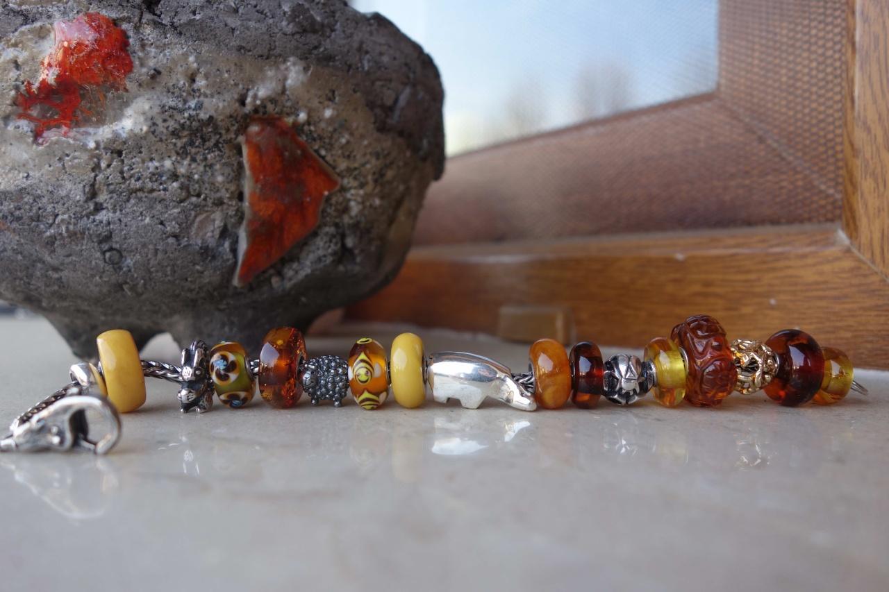 Golden Honey Loveliness - update with the Honey Bear Honigb10