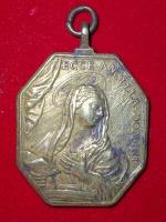 CAJON DE SASTRE 1056-82