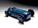 Dinky Toys : les catalogues/accessoires/panneaux/Pneus 467-84