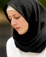 مريم نزلي