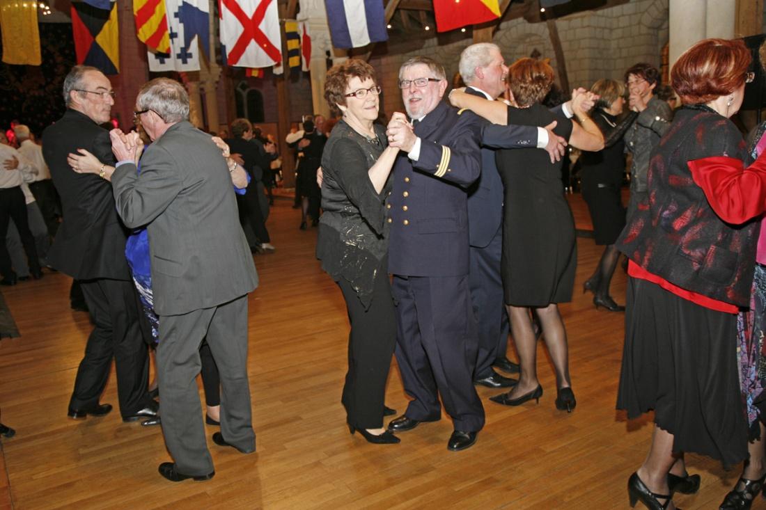 [ Associations anciens Marins ] Une nouvelle Nuit de la Marine pour l'AMMAC d'ANGERS Bal20111