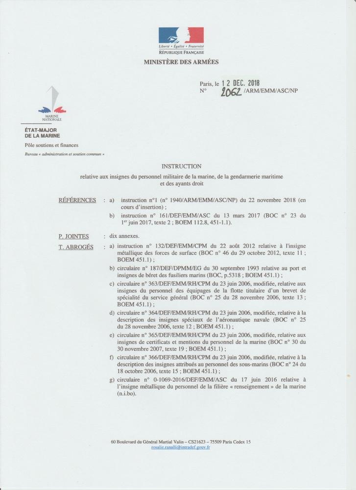 [LES TRADITIONS DANS LA MARINE] LE PORT DES DÉCORATIONS - Page 12 Numyri22
