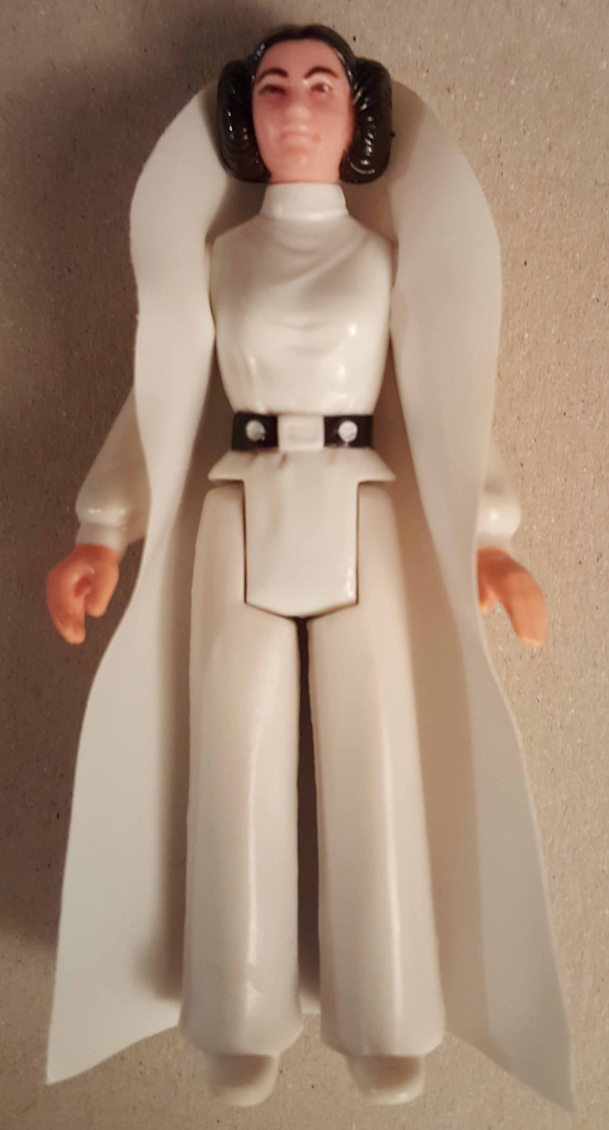 Main Site help needed: Leia Organa Vinyl Capes - Taiwan & No coo  Leiatw10