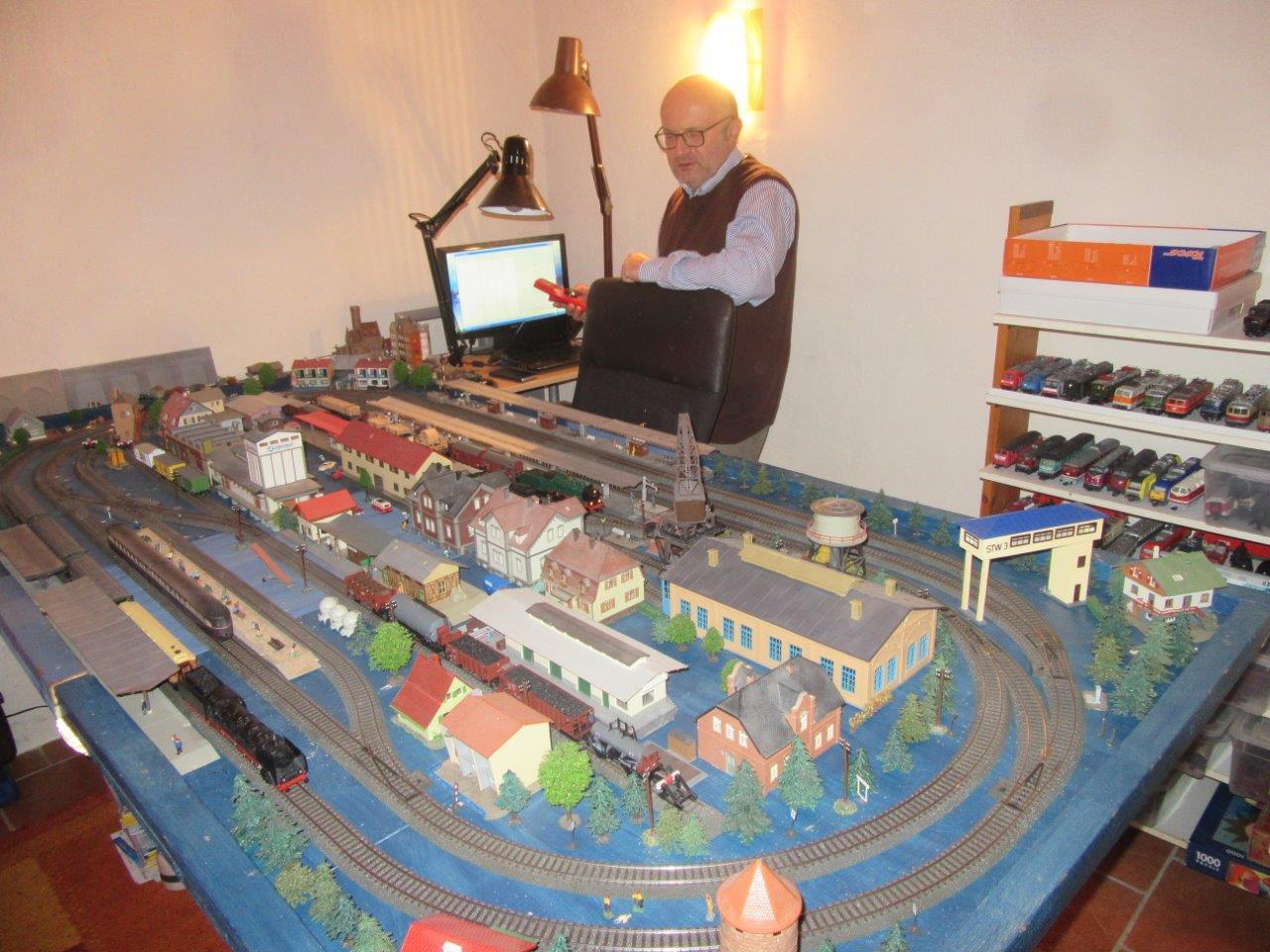 Die blaue Anlage: Märklin C-Gleis, Zentrale: TAMS RedBox Img_3216