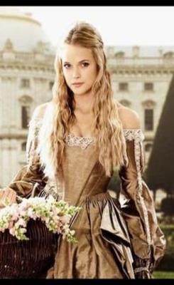 Arwen Woodgrah