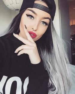 Lady_RevolTz
