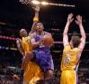 Lakers Gallery Odomga10
